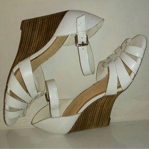 Jessica Simpson white leather sandal wedges
